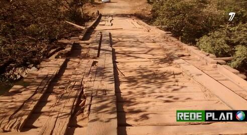 Ponte do Rio cocal precisa de manutenção, seguidor relata descaso; Veja o vídeo.