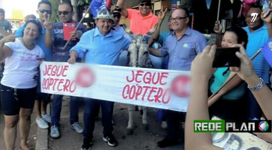 Com 'Jeguecóptero', candidato critica gastos com campanhas e cria até música, veja;