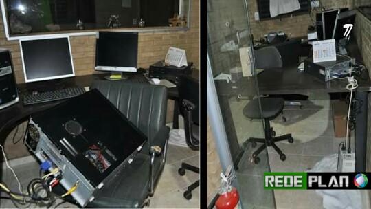Donos de páginas de notícias da cidade tem casas invadidas e equipamentos de trabalho roubados.