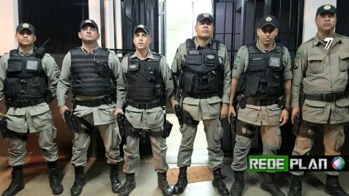 PM apreende menor com drogas na QD 8 Norte e 6 kg de maconha e outras drogas no Paquetá.
