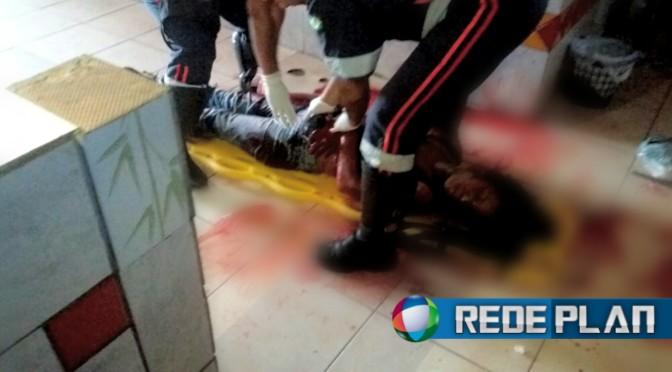 Mulher que foi esfaqueada na feira permanente ontem (22) está internada e passa bem | Rede Plan
