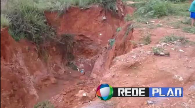 VÍDEO: Erosão no Parque da Gávea coloca casas em risco e preocupa moradores | RP