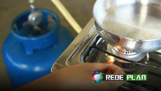 Subsídio para gás de cozinha será reduzido e preço deve subir de novo   RP