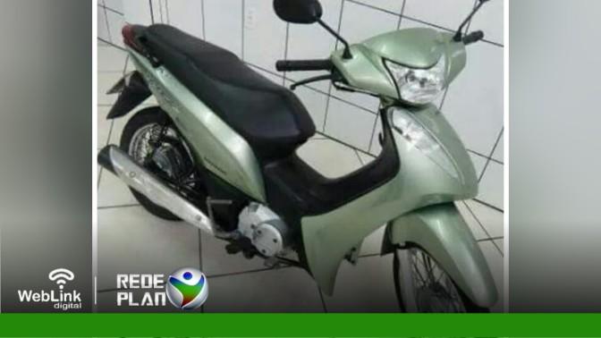 Biz roubada no último domingo (25) é recuperada pela PM em Planaltina Goiás   RP