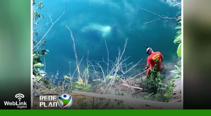 Carro de jovens desaparecidos é encontrado submerso no 'Poço escuro' em Plan-GO | RP