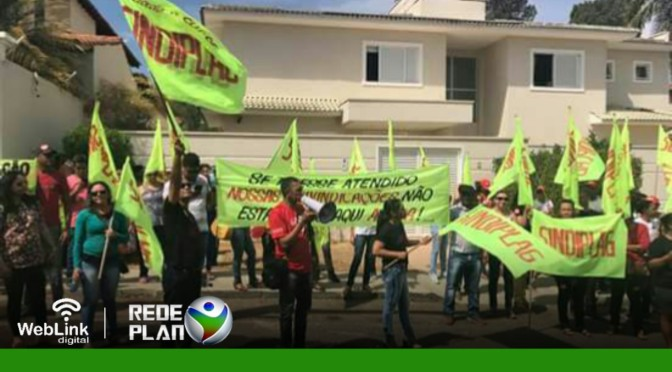 Após negarem proposta do Prefeito, servidores voltam atrás e decidem encerrar greve | RP