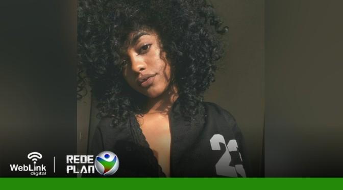 Negra Flor, candidata no The Voice Brasil, é de Planaltina-GO e só tem 18 anos | RP