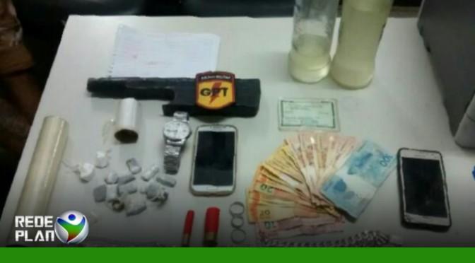 Polícia prende dois homens com drogas no setor aeroporto em Plan-GO | RP