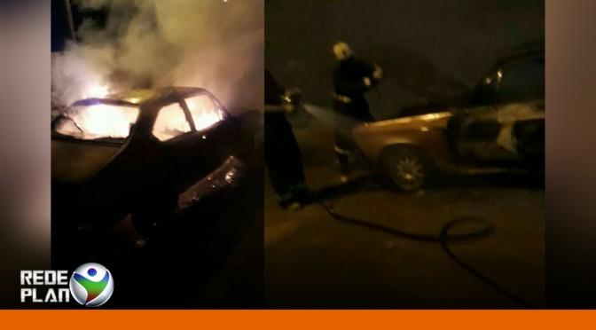 Carro de vereador de Formosa-GO é incendiado na porta de casa   RP