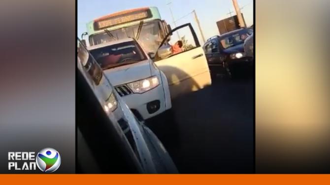 Motorista da Viação Expresso é agredido no meio do trânsito no DF | RP
