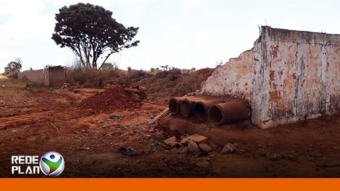 Muro do cemitério de Planaltina Goiás está caído, e acesso é livre | RP