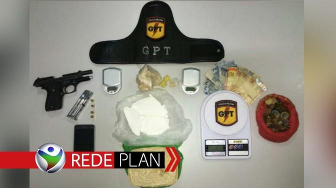 GPT prende homem na Qd. 13 Norte por tráfico de drogas e porte ilegal de arma de fogo | RP