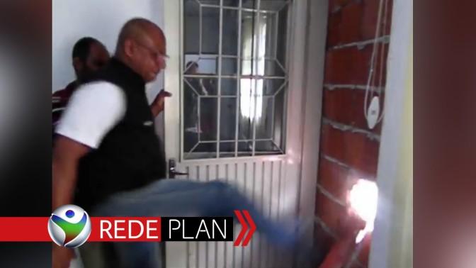 Novo Prefeito chama o 'Barão' e derruba parede que fechava a porta do gabinete | RP