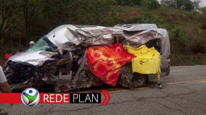 Seis membros de uma família de Planaltina-GO morrem em acidente na BR-381 | RP