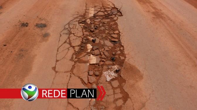 Chuva arranca asfalto do recapeamento recém feito em Planaltina-GO | RP
