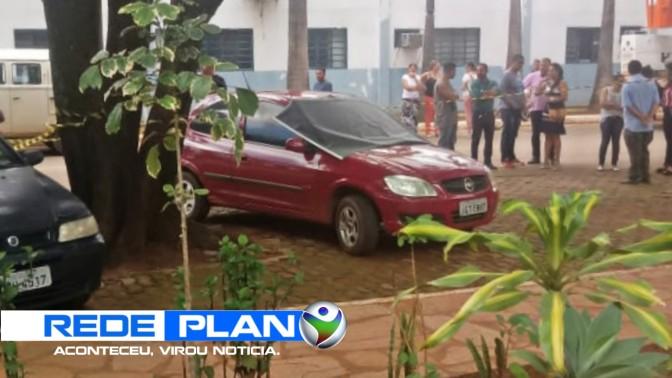 Dois corpos são encontrados dentro de um carro estacionado na praça de Planaltina-GO | RP