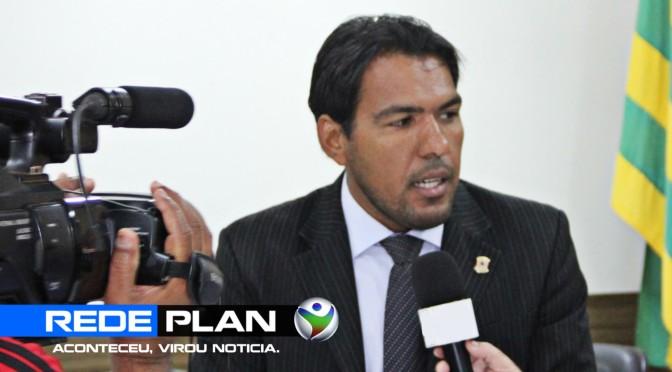 Carlim Imperador é eleito o novo presidente da Câmara Municipal de Planaltina Goiás | RP