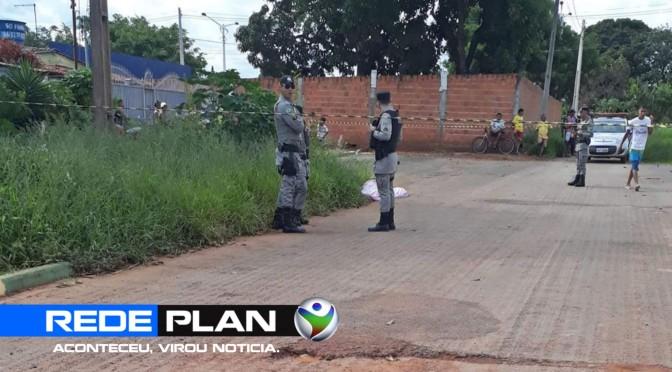 Jovem é assassinado à tiros no meio da rua no setor norte, em Planaltina Goiás | RP