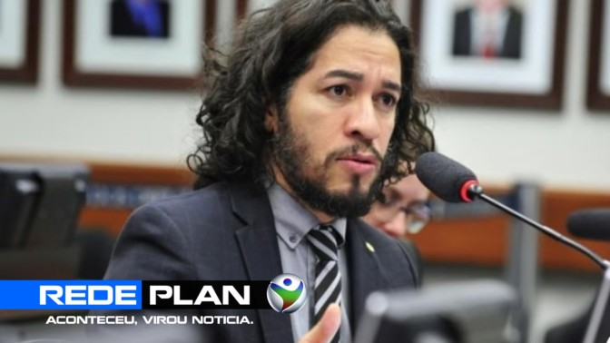 Jean Wyllys renuncia mandato e deixa o Brasil após ser ameaçado de morte  | RP
