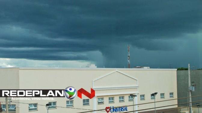 Chuva deve permanecer até Quarta-feira; confira a previsão do tempo | RP