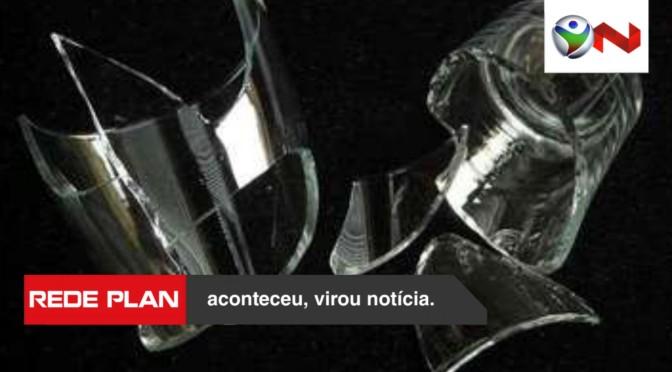 Por copo quebrado, homem tenta matar a mulher a facadas em Minas | RP
