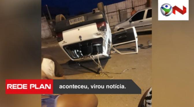 Carro capota após acidente na pista da lagoa no início da noite desta quarta (25) | RP