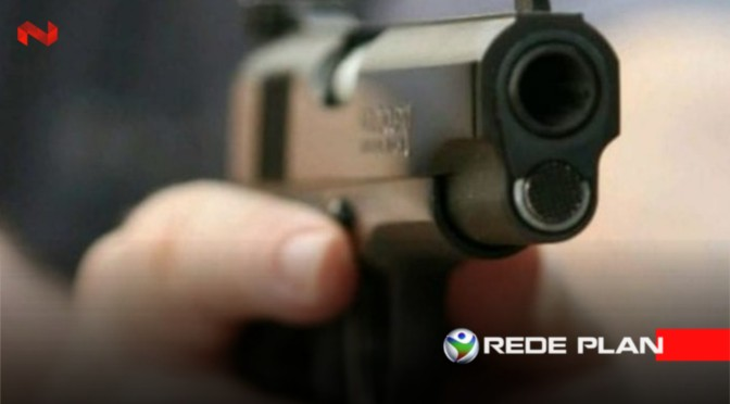 Ao brincar com arma, adolescente mata irmão com tiro acidental, em Goiás | RP